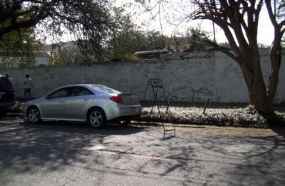 I know that I am usually in a hurry but I found it curious that they had Valet Parking at the Lafayette Cemetery.